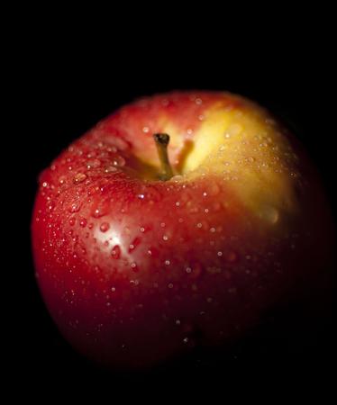 Medium_fit_apple